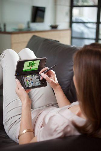 Nintendo DSi XL release date